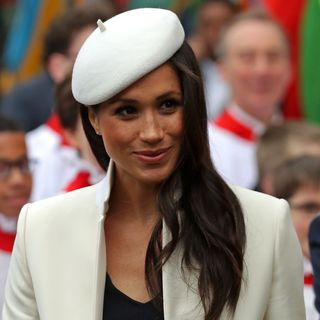 Copie o look de Meghan Markle no Dia da Commonwealth