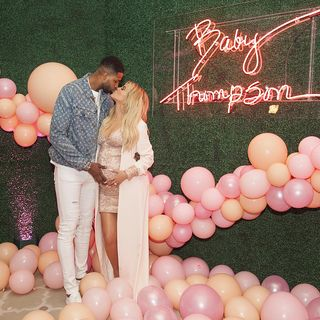 Tristan Thompson terá traído Khloé na véspera do baby shower