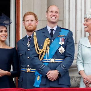 Os surpreendentes antes e depois de Harry, Meghan, Kate e William