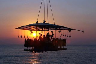 Dinner in the Sky: Em agosto, na Quinta do Lago, o céu é o limite…