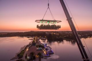 Dinner in the Sky: jantar nas alturas com vista para a Quinta do Lago