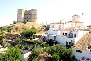 The Place Evoramonte: O Lugar do Senhor do Castelo