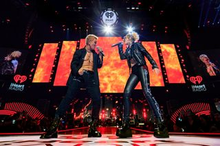 "Miley Cyrus cantou ""Rebel Yell"" com Billy Idol: veja o vídeo"