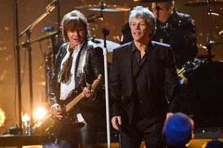 Os Bon Jovi voltaram a tocar com Richie Sambora na cerimónia do Rock and Roll Hall of Fame