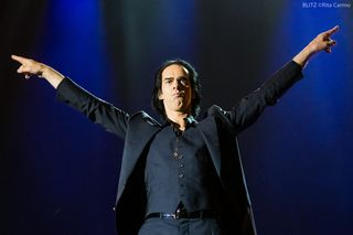 "Nick Cave confirma novo álbum com os Bad Seeds. ""É espantoso"""