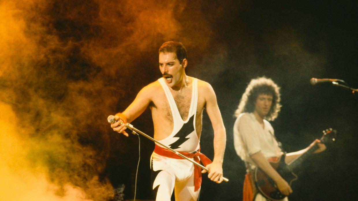Freddie Mercury e Brian May no palco do Rock in Rio 1985
