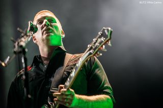 Grandes concertos para matar saudades: Queens of the Stone Age no Super Bock Super Rock 2013