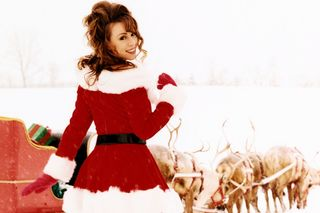 Após 25 anos de espera, 'All I Want For Christmas Is You' de Mariah Carey chegou ao 1º lugar do top americano