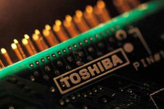 Amazon e Apple querem comprar chips da Toshiba