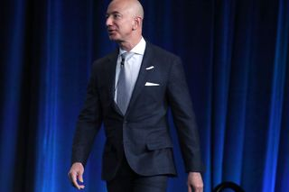 Bezos denuncia chantagem do National Enquirer que envolve fotos íntimas