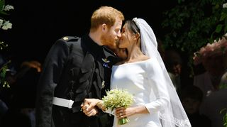 Vídeo: O beijo de Harry e Meghan Markle perante a euforia do público