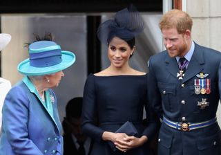 Rainha Isabel II, Meghan Markle e príncipe Harry