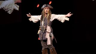 Ex-guarda-costa de Johnny Depp diz que ator agia como a personagem 'Jack Sparrow' na vida real