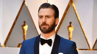 Ups! Chris Evans mostra foto do pénis acidentalmente e 'rebenta' Twitter