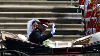 O bolo majestoso do casamento real entre Harry e Meghan Markle