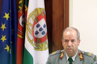CDS-PP requer audição do general Rovisco Duarte e lista do material recuperado