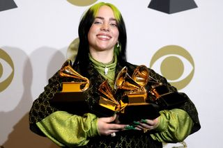 Billie Eilish bate recorde nos Prémios Grammy